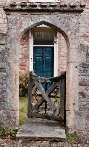 Entrance in Vicars' Close, Wells